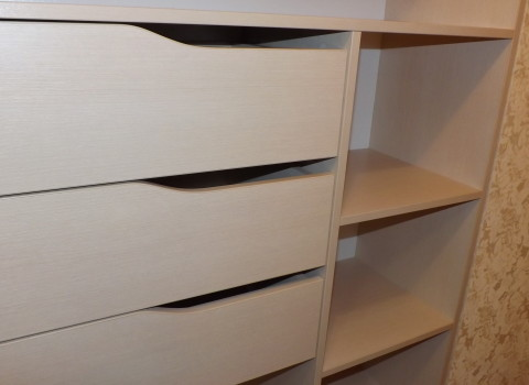 стелажный шкаф